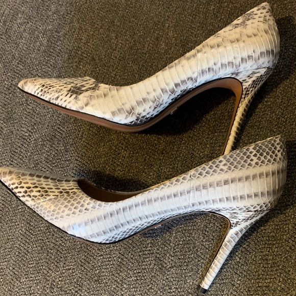 Michael Kors Shoes - Almost New Michael Kors Claire Snakeskin Pumps